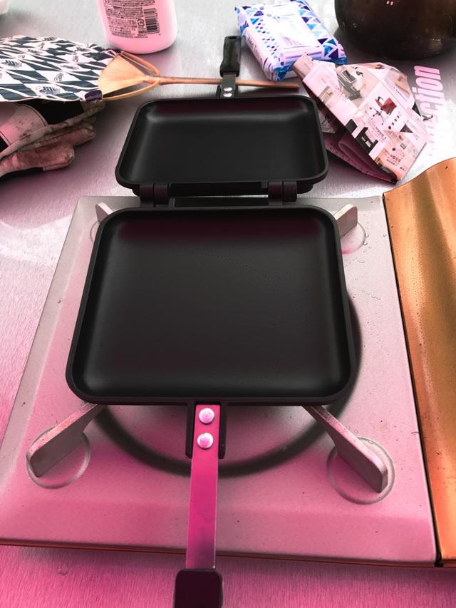 ATSUHOKA Diningをオープン。分離はできないけれど反対側まで開けるので調理しやすい。