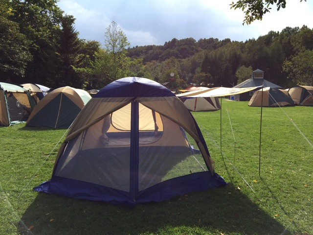 テント一人で建てられるもん!