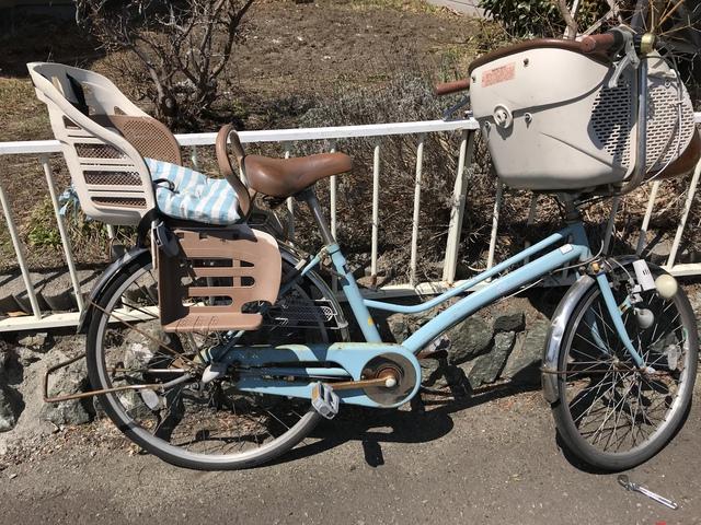 自転車の右側。こちらには変速機がついていて、外すのに少々手間取る。