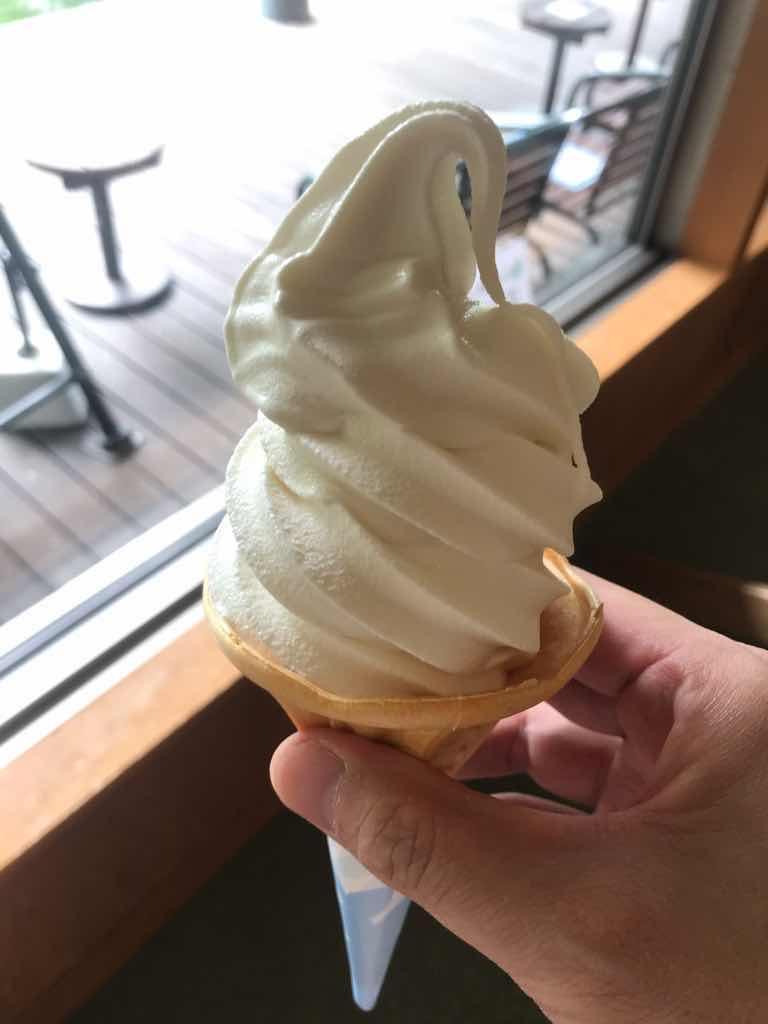 湯上がりのソフトクリームはすこぶる美味しい。