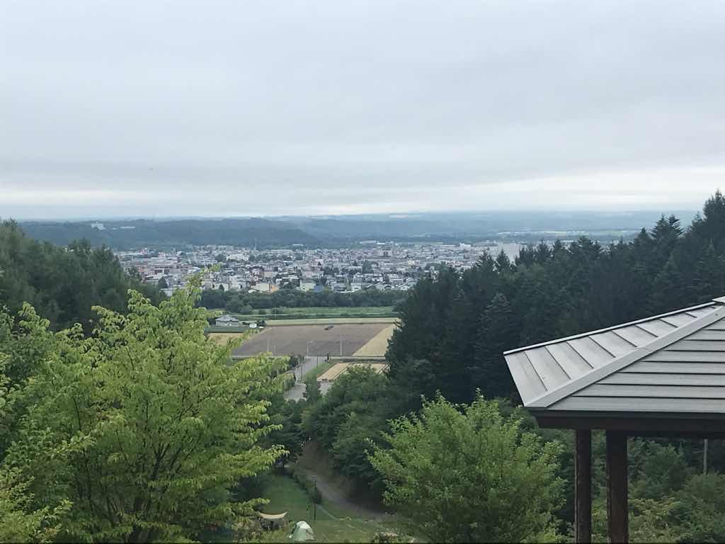 キャンプ場から美幌の町が一望できる。