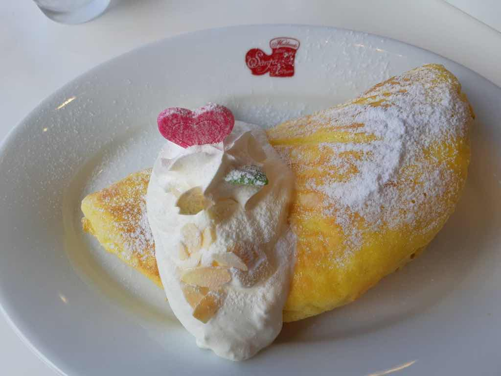 サンタクリームのパンケーキ