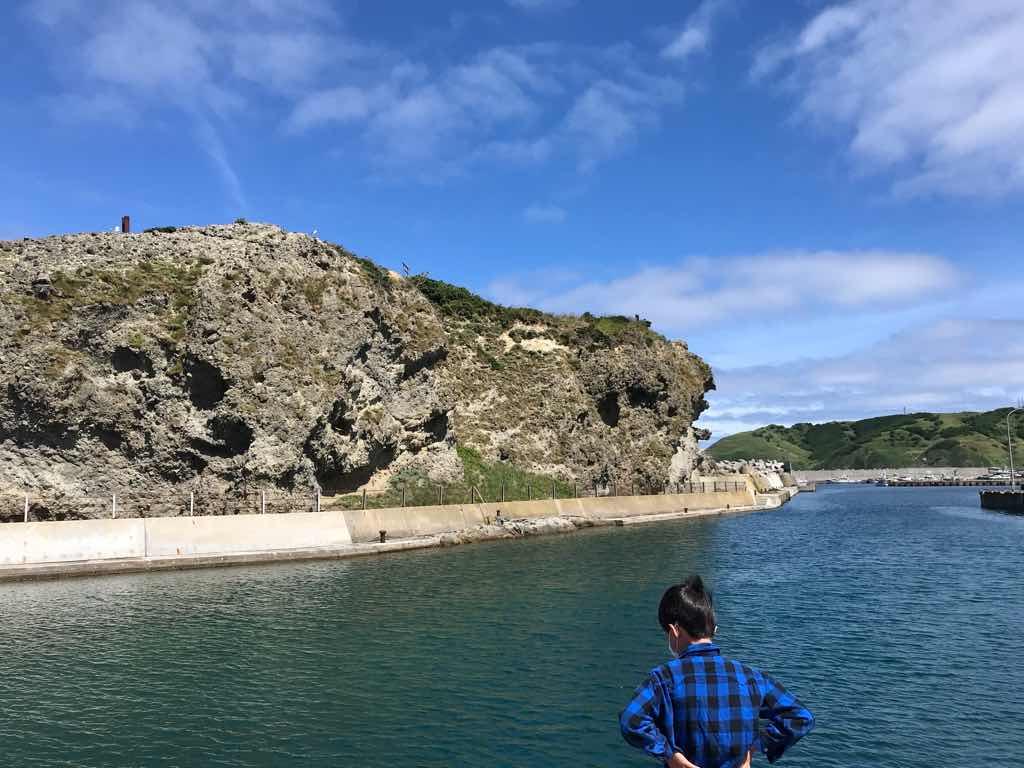 港に行ってみた。綺麗な海と空が広がっていた。