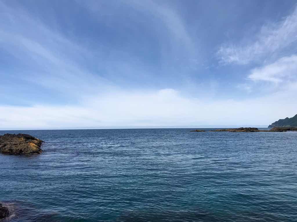 綺麗な海と空と水平線。たまらん。